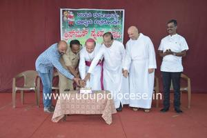 Udupi Bishop Gerald Shares the Spirit and Joy of Christmas with Media Persons