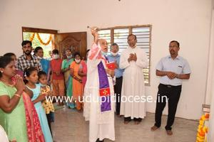 Bishop of Udupi blesses two new houses for the Needy at Pamboor